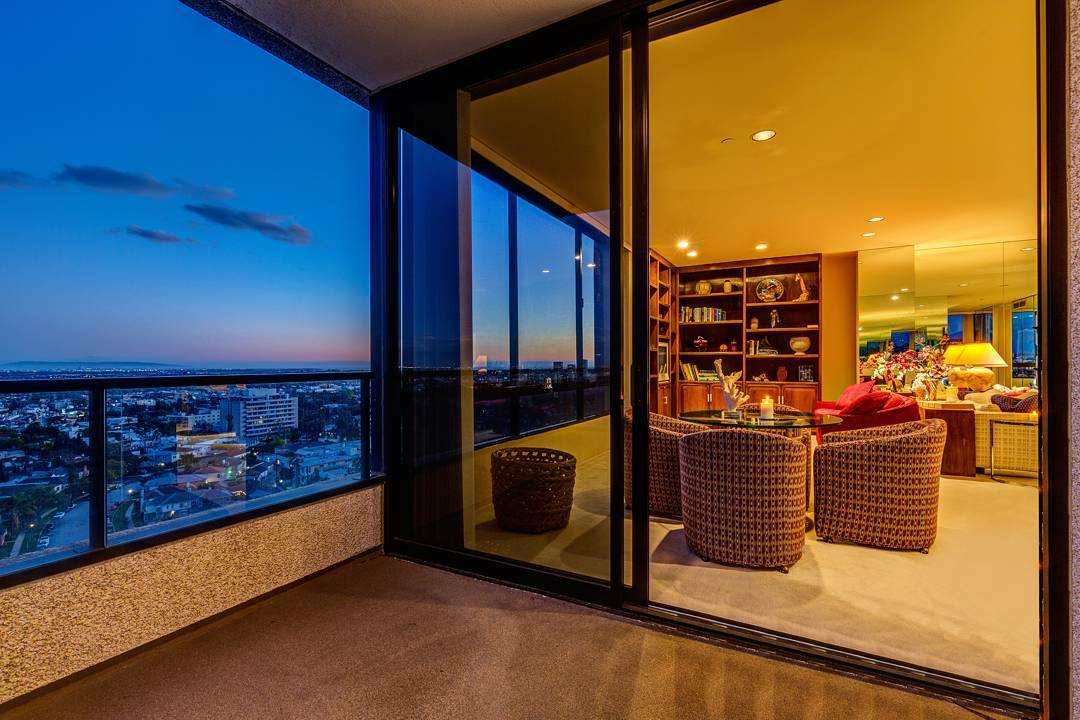 This shot taken from the 14th floor of the diplomat highrise just feels dreamy. Love the warm feeling you get from the living space inside. ....#realestate #larealestate #luxuryrealestate #luxuryhomes #luxury_homes #highclasshomes #losangelesphotographer #creativevisionstudios #losangeles #architecture #milliondollarlisting #interior #realestatemarketing #realestatephotography #instapic #instagram #photooftheday #archilovers #twilight #beautiful #architecturaldigest#cvstudios #highrise #views #sunset #ilovela